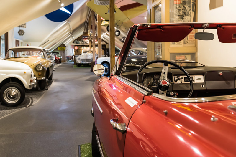 150 Oldtimer im Automuseum am Bodensee